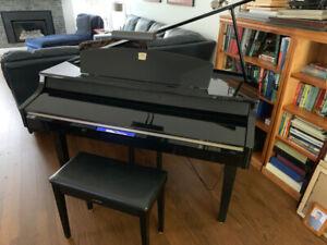 "Yamaha Digital ""Baby"" Grand Piano - Clavinova CLP-265GP"