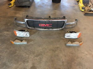 99-03 GMC 1500 / Yukon Grille & Headlights