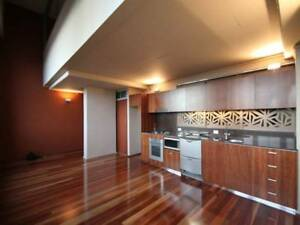 CITY DARLING HARBOUR SINGLE ROOM, COUPLE ROOM AVAILABLE NOW