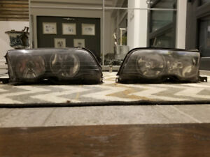 BMW E46 3 Series Halogen Headlights Set in Good Condition 99-01