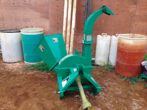 "4"" PTO Wood Chipper in Excellent Condition (like new)"