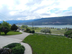 Vacation rental in Kelowna with Astounding Lake Views