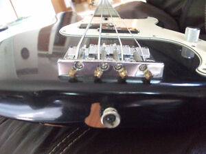 2007 FENDER P-BASS HWY 1 *MADE IN USA* London Ontario image 5
