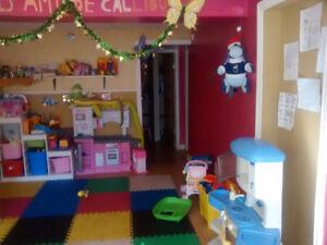 Garderie à hull 2 places  disp(st Joseph,mont bleu) daycare Gatineau Ottawa / Gatineau Area image 1