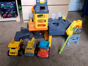 Constriction play set & race track with cars