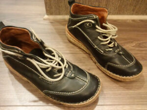 Josef Seibel Leather Boots just $30. Size 40 (9-9.5). In great c