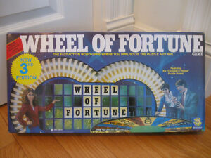 """BOXED OLD VINTAGE '86 VERSION """"WHEEL of FORTUNE"""" GAME..[MINT]"""