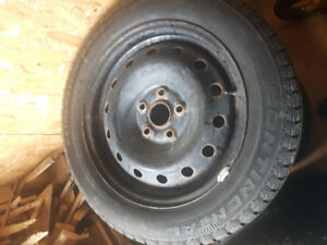 Roues d'acier et pneus