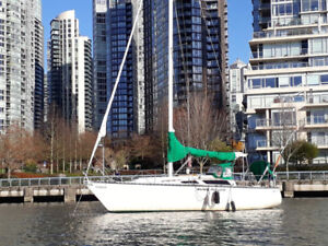29.9 Foot Seidelmann Sailboat for sale.  REDUCED PRICE