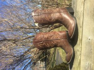 girls cowboy boots.