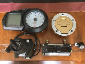 DUCATI ST3S 2006 E.C.U ,dash,ignition switch, gas cap, seat lock