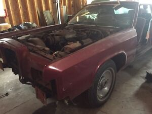 1976 Lincoln and Lincoln Parts. 2 cars and 6x stripped cars