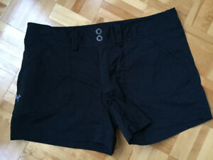 Vêtements sport pour femmes Arcteryx