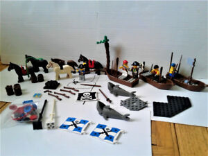 Lot - LEGO  VTG pirates/castle/ accessories/vintage bricks