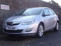 Vauxhall/Opel Astra 1.4i 16v Turbo ( 140ps ) Exclusiv 2011(11) 5 Door Hatchback