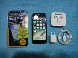 Iphone 7 BLACK 32 gb FIDO/Rogers in very good conditionA+ $495