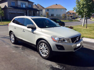 2010 Volvo XC60 T6 AWD SUV, LIKE NEW