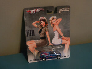 Hot Wheels 1:64 Nose Art '67 Austin Mini Van Real Riders HTF