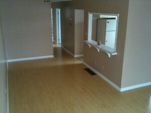 3 BEDROOM APT. Avail. FEB 1 ALL INCLUSIVE