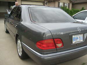 MERCEDES E300  TURBO DIESEL