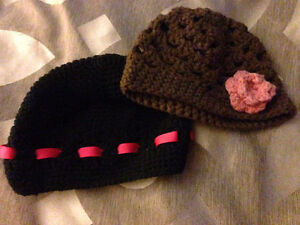 2 Knit Baby Hats