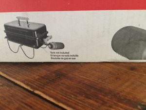 Brand New in Sealed Box WEBER Go Anywhere Gas Grill