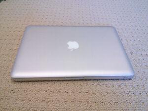 """Macbook Pro 13.3"""" 1Tb/8gb"""