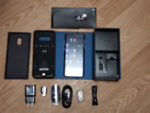 Mint Condition Samsung Galaxy S8 Plus with lots of extras