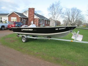 FISHING BOAT 16.5 LONG  LEGEND MODEL