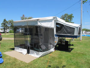 Tente roulotte Jayco 806 (2010) + $2000,00 acc. camping inclus