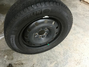 Almost New Michelin 205/60R16 X-Ice Xi3 with Rims