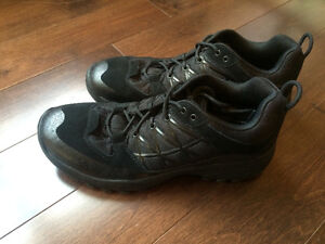 NEW - North Face Storm - Men's Size 9