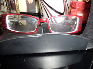 like new ladies eye glass frames.. burgundy paid well over 100.0