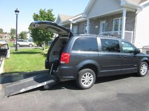 WHEELCHAIR VAN, 2014 GRAND CARAVAN, REAR-ENTRY, MINT
