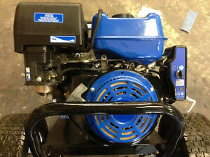 420cc gas engine Horz, with electric start (as new)