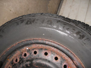 205-75-15 Snow Tires used one season Kitchener / Waterloo Kitchener Area image 6