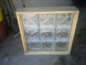 9 GLASS CUBES WINDOW FRAME