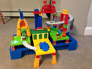 Fall River Kijiji Sale - Thomas & Friends Mega Bloks #10536