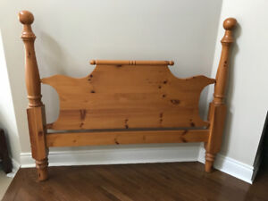 Solid Pine Queen Bed