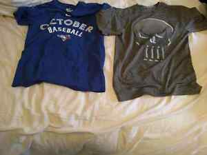 Lot of 2 t-shirts size small