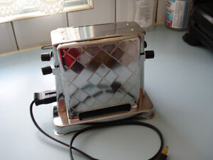 NEW CONDITION VINTAGE TOASTER