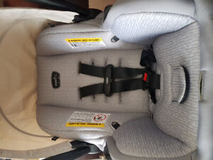 Evenflow car seat with base