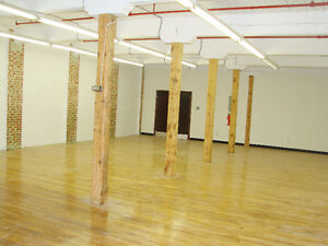 ST.HENRI - Commercial Loft - 2000 sqft