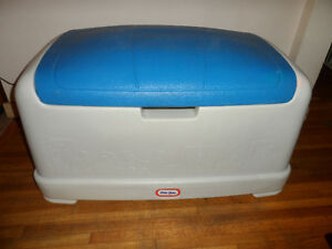 Little Tikes Huge Toy Box / Chest