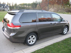 2012 Toyota Sienna V6 5dr 7-Pass FWD 3.5L Kitchener / Waterloo Kitchener Area image 2