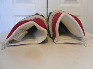 DAIGNAULT ROLLAND (DR) HOCKEY GAUNTLETS FOR SALE West Island Greater Montréal image 4