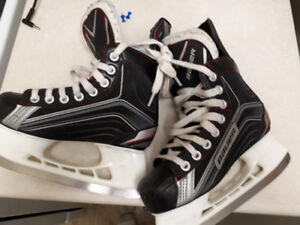 Boys Hockey Skates size 1 in excellent condition