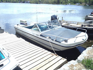 1977 Doral Bowrider Tri-hull with 70hp Evinrude 2 stroke and Tra