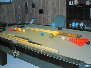 OLHAUSON BILLIARD/POOL TABLE