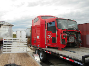 Kenworth T600 cab and bunk assembly